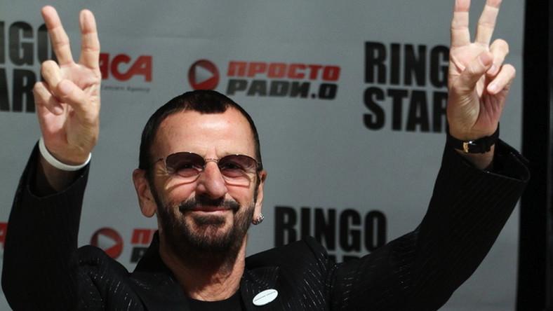 """Ringo Starr """"wyceniony"""" został na blisko 300 milionów dolarów. Na wynik w głównej mierze wpływają tantiemy z piosenek nagranych z The Beatles, ale solowa działalność muzyka również przyczyniła się do pomnożenia kapitału. Jego szesnasta solowa płyta """"Ringo 2012"""" ukazała się w styczniu tego roku"""