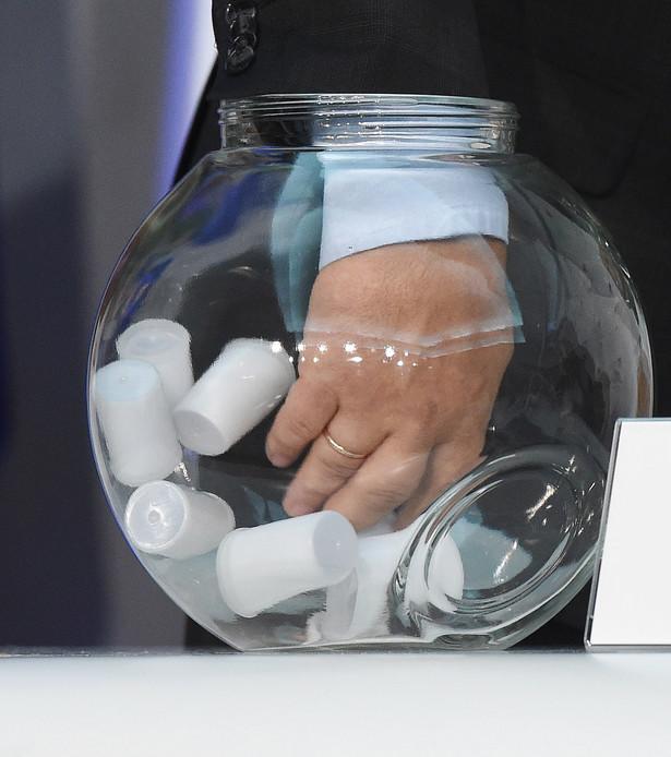 Losowanie numerów list komitetów wyborczych zarejestrowanych w więcej niż w jednym okręgu wyborczym w wyborach do Sejmu.