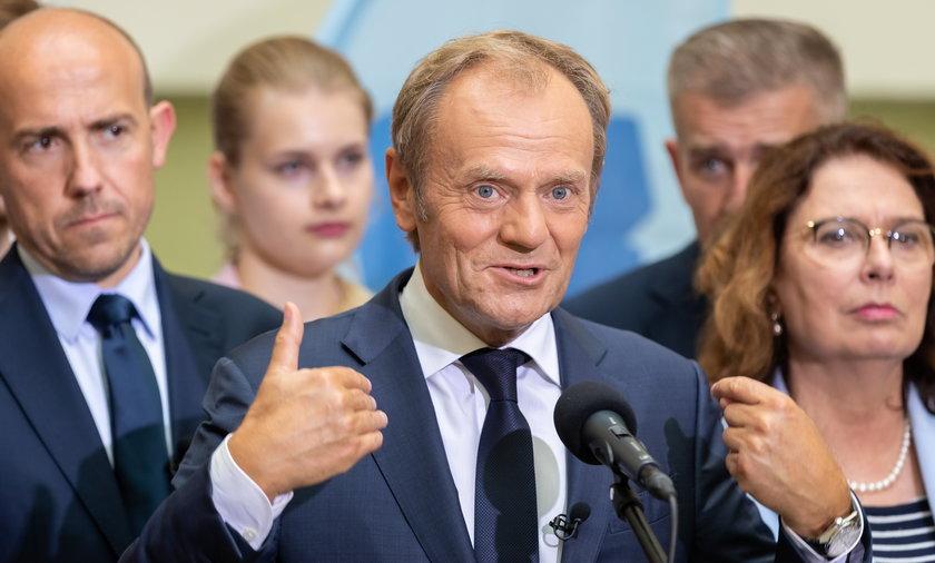 Donald Tusk od miesiąca jest nowym liderem Platformy Obywatelskiej.