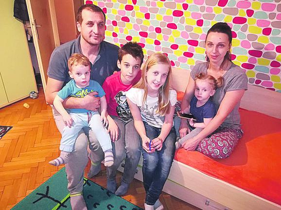 Ana i Dejan Jevtić sa decom