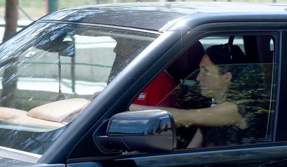 Jelisaveta je dragog vozila u džipu