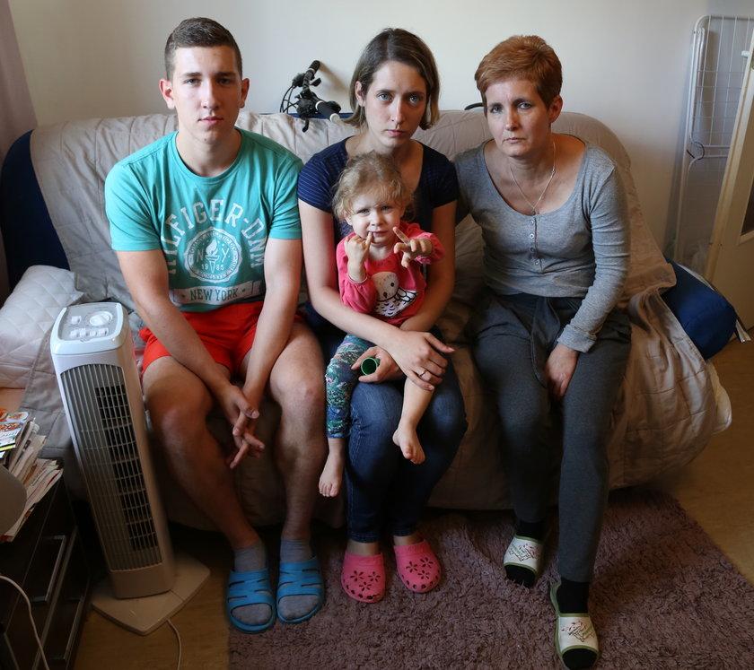 Rodzina zagrożona eksmisją przez swoją uczciwość