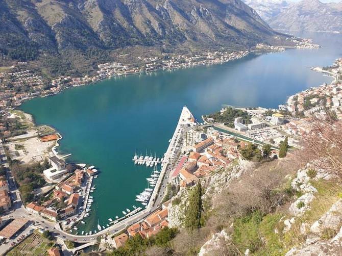 Uprkos lepom vremenu, Kotor je prilično pust