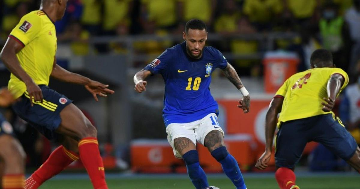 Brazil lose perfect start but close in on WC qualification