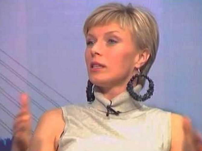 Na malim ekranima bila je direktna, pa i oštra: Jelena Helc danas ovako izgleda
