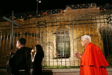 VATICAN-POPE-EASTER-GOOD FRIDAY