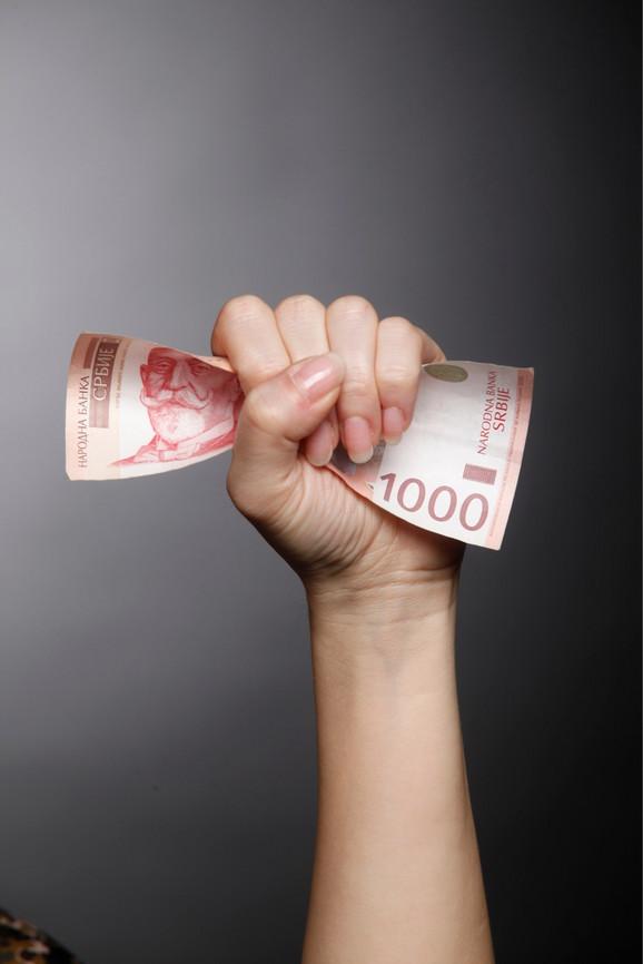 Odluka o povećanju zarada oko 599.000 zaposlenih u javnom sektoru