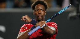 Francuski tenisista wygrał mimo kontuzji ręki. Nabawił się jej grając w grę wideo