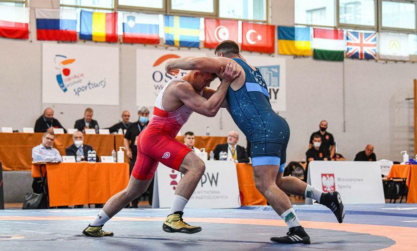 Memoriał Ziółkowskiego – Robert Baran (z lewej wygrał kategorię 125 kg)