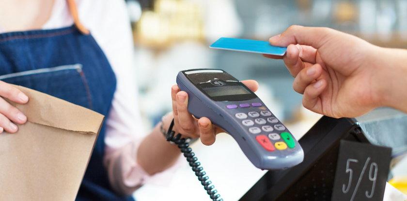 Ile złodziej może ukraść z karty?