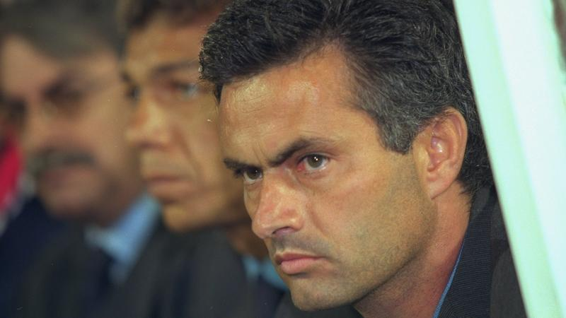 Jose Mourinho, menedżer Chelsea Londyn, w 2000 roku