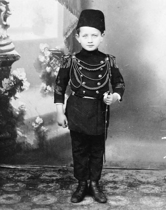 Budući generalštabni oficir: Vukašin Vukotić kao dete
