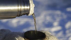 Co się stanie, gdy wylejesz termos gorącej herbaty na 40-stopniowym mrozie? Niesamowite zdjęcie