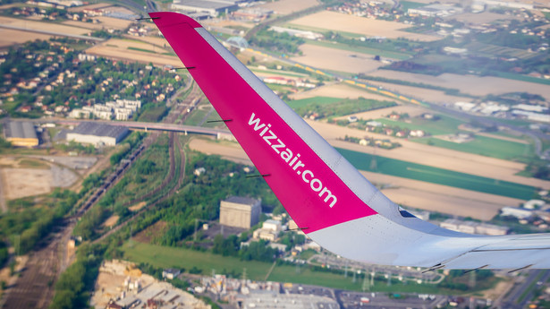 Samolot węgierskich tanich linii lotniczych WizzAir