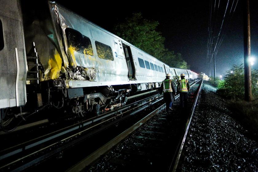 Pociąg pasażerski wykoleił się po zderzeniu z pociągiem serwisowym