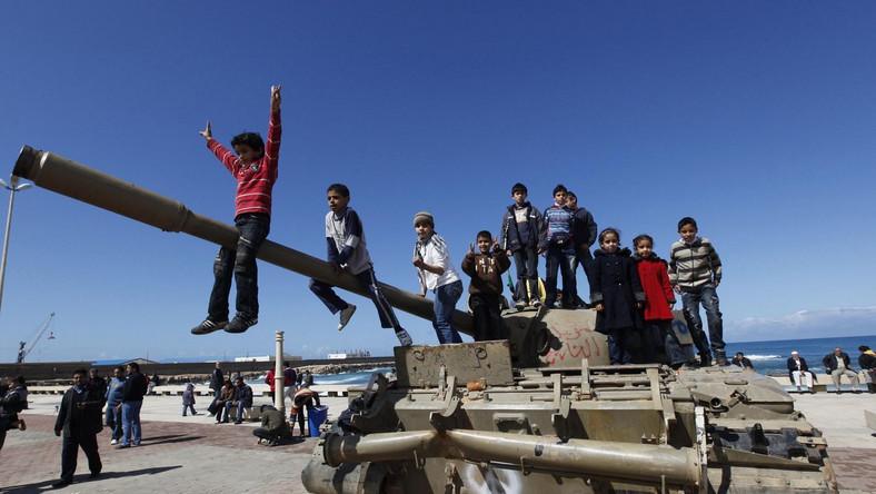Rząd w Rzymie dyskretnie współpracuje z libijską opozycją