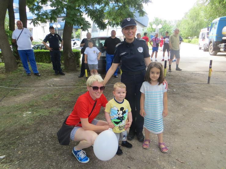 NIS01 Dan policije u Nisu Foto B.Janackovic