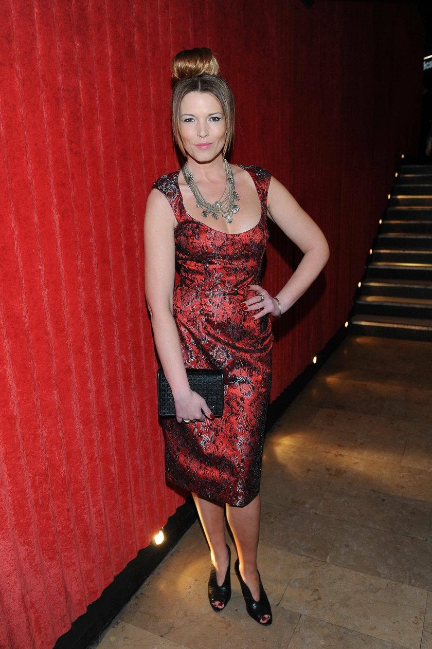 Ilona Felicjańska w czerwonej sukience