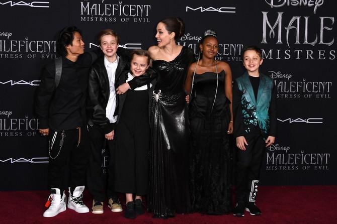 Glumica sa decom