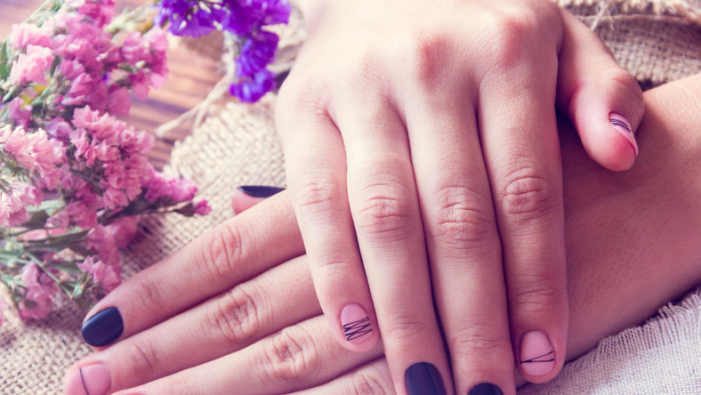 Jakie zdobienia paznokci będą modne tej jesieni i zimy?