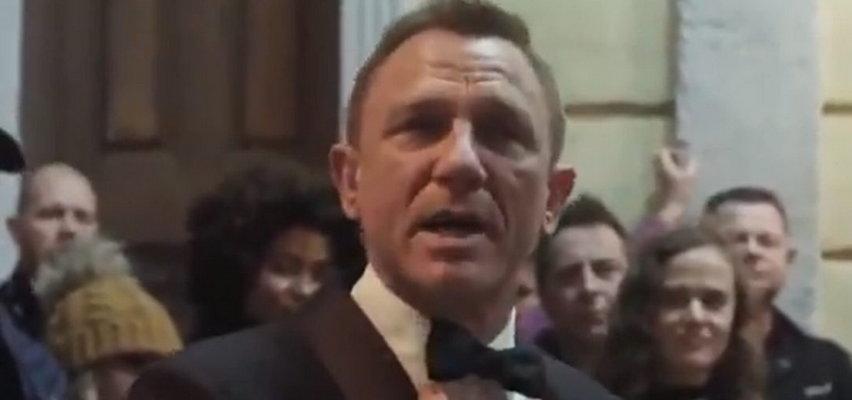 """Daniel Craig ze łzami w oczach żegna się z rolą Jamesa Bonda. """"Kochałem każdą sekundę pracy nad tymi filmami, szczególnie nad tym"""""""