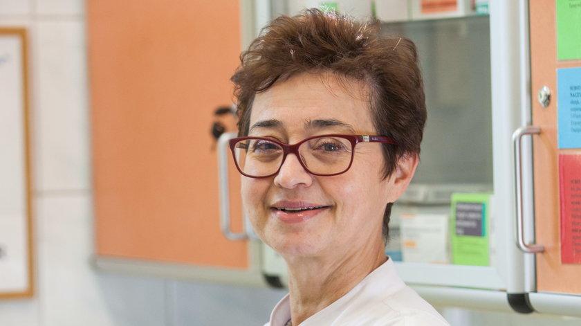 -Zaawansowany rak piersi to bardzo poważna choroba, ale to nie oznacza, że trzeba usiąść i płakać. W tej chwili średnia długość życia kobiet z nawrotem raka piersi to kilka lat, a medycyna wciąż idzie do przodu - mówi dr Barbara Radecka z Opolskiego Centru