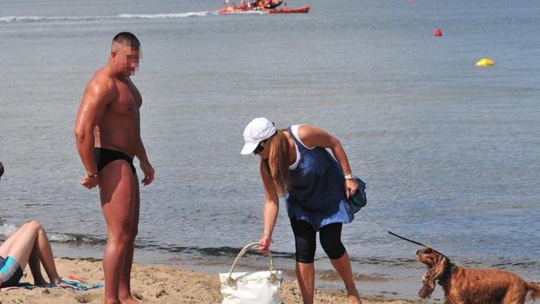 Ciężarna Kasia Skrzynecka promieniała na plaży.