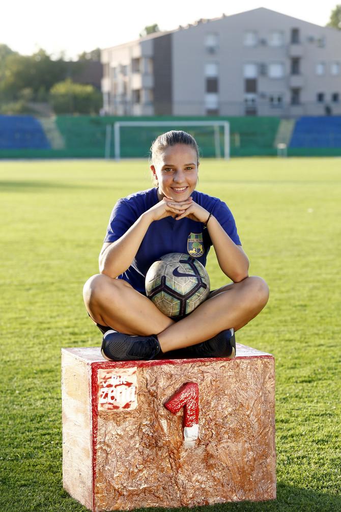 Upoznajte Milicu Andrić, najbolju mladu fudbalerku Srbije