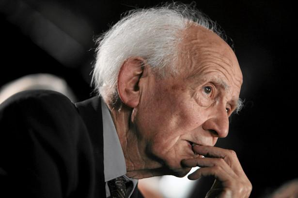 Zygmunt Bauman podczas uroczystości wręczenia mu orderu Gloria Artis dla zasłużonych dla kultury polskiej - 19 listopada 2010