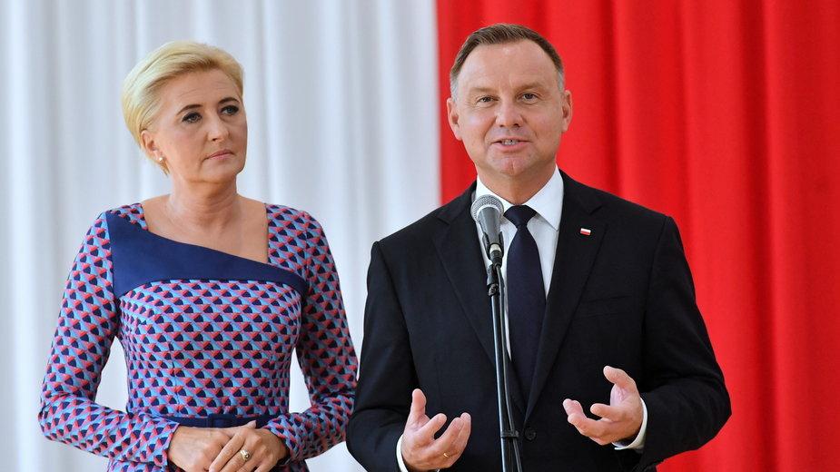 Rozpoczęcie roku szkolnego 2021/2022. Andrzej Duda i Agata Kornhauser-Duda w szkole podstawowej w Kruszewie