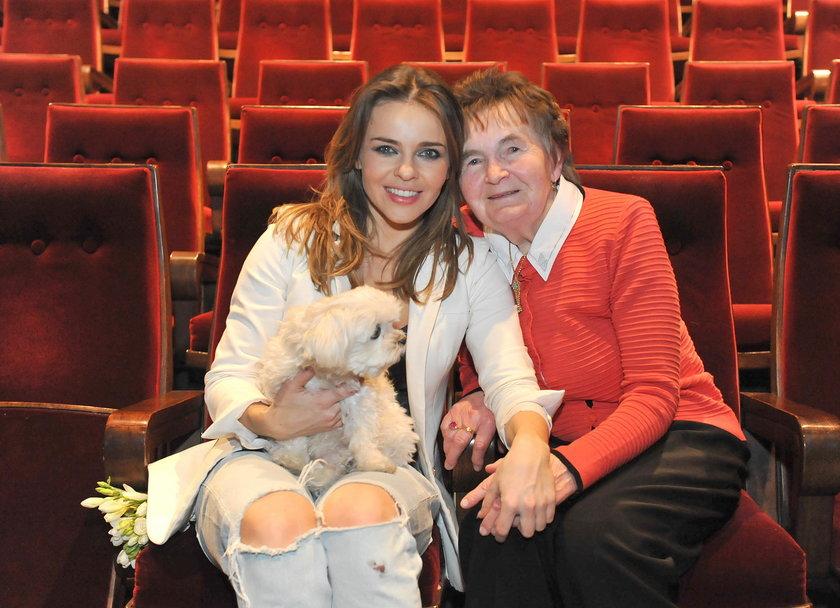 Edyta Herbuś ze swoją babcią Tolą
