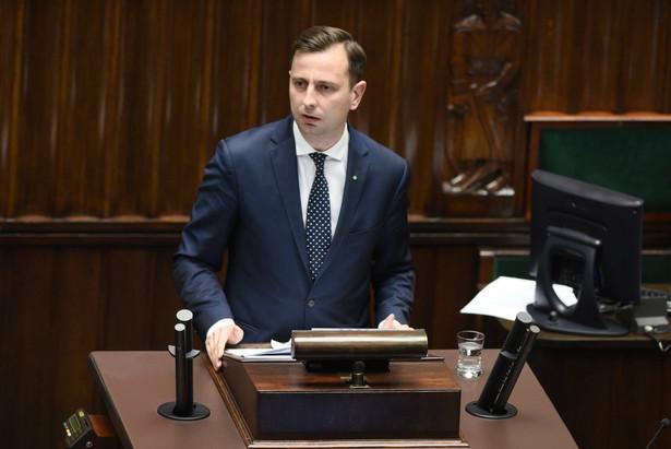 """Kosiniak-Kamysz przypomniał, że PSL jest przeciwko wprowadzaniu zmian w systemie edukacji, która jest - według niego - """"szkodliwą antyreformą"""" wprowadzającą chaos w polskich szkołach"""