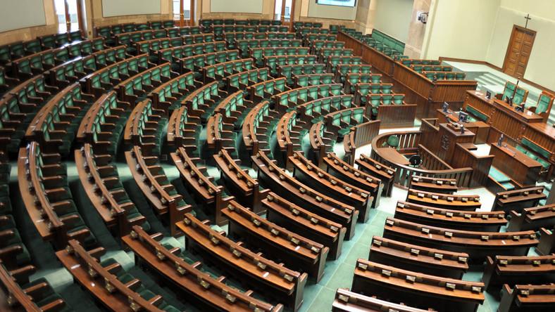 Koniec Sejmu. Politycy jadą się bawić