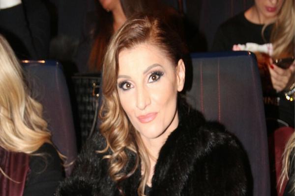 Nakon što ju je verenik prevario sa muškarcem, Mira Škorić mu poslala OŠTRU PORUKU!