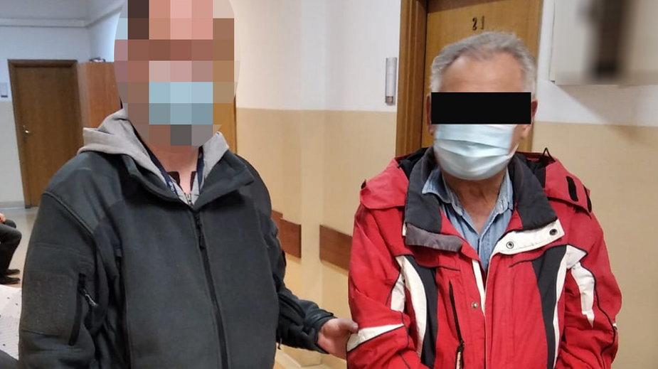 """Warszawa: Starszy pan złapany z narkotykami. """"Próbował dorobić do emerytury"""""""