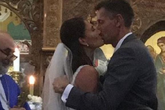 SRPSKA FEŠTA USRED AMERIKE! Pogledajte kako je Jovana Jakšić izgledala na venčanju za 23 godine STARIJEG muškarca /FOTO, VIDEO/