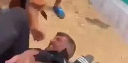 Krwawy atak na plaży. Sprzedawca dźgał nożem policjanta na oczach turystów