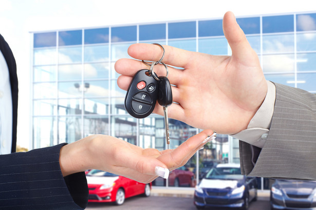 samochód, diler, kredyt samochodowy