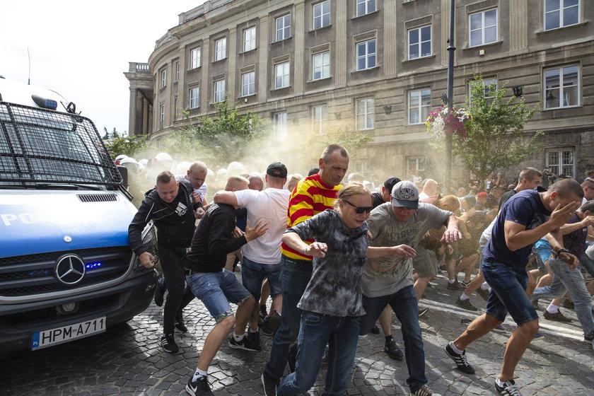 Marsz równości w Białymstoku. Szefowa MSWiA komentuje zajścia