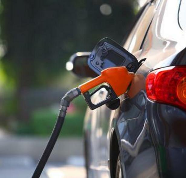 Kierowcy odczują spadek cen ropy za półtora, dwa tygodnie.