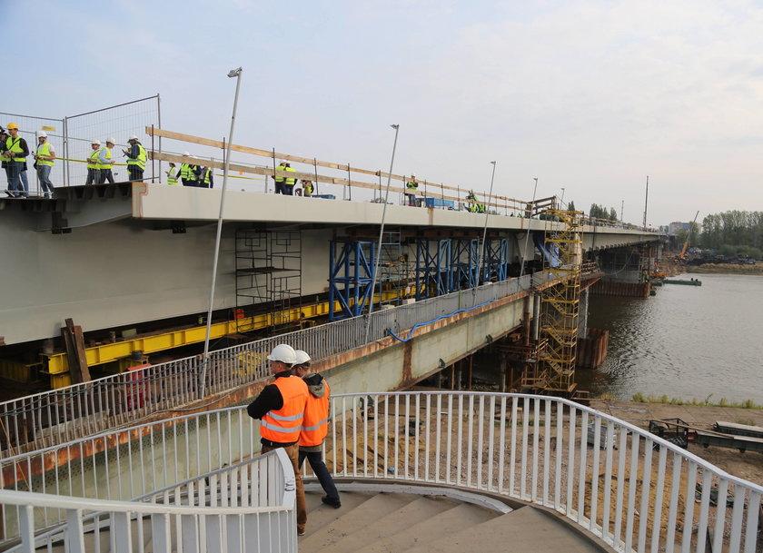 Dwa brzegi stolicy znów połączone Mostem Łazienkowskm