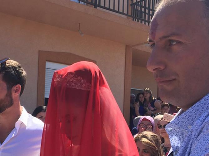 Žene RONE SUZE i gledaju ovu svadbu u Crnoj Gori: Pogledajte FRAJERA KOJI VODI MLADU - garantovano ostajete bez teksta