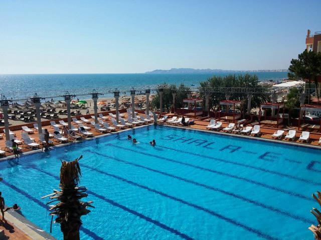 Bazen jednog od hotela na albanskom primorju