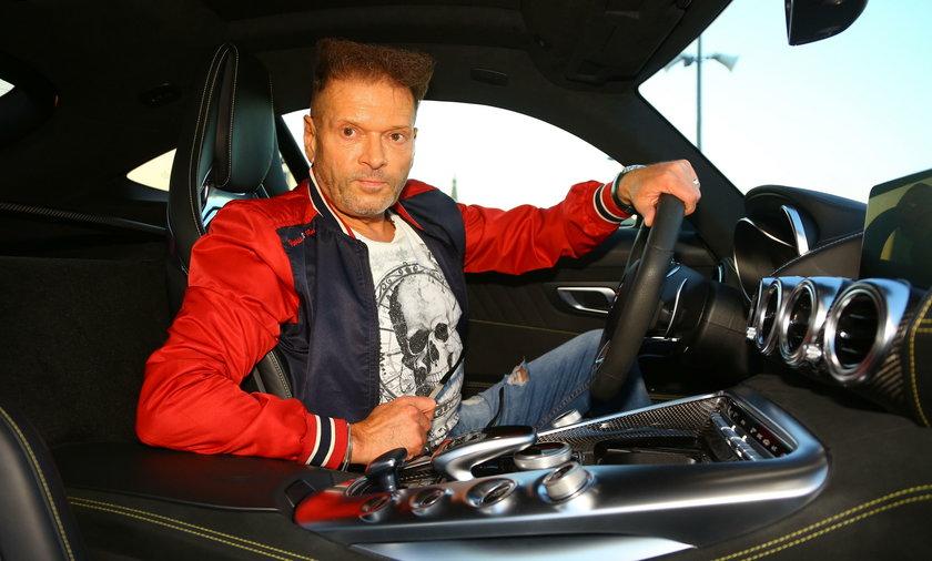 Krzysztof Rutkowski, detektyw z Łodzi ma nowy samochód. To sportowy mercedes AMG GTS w kolorze AMG solarbeam