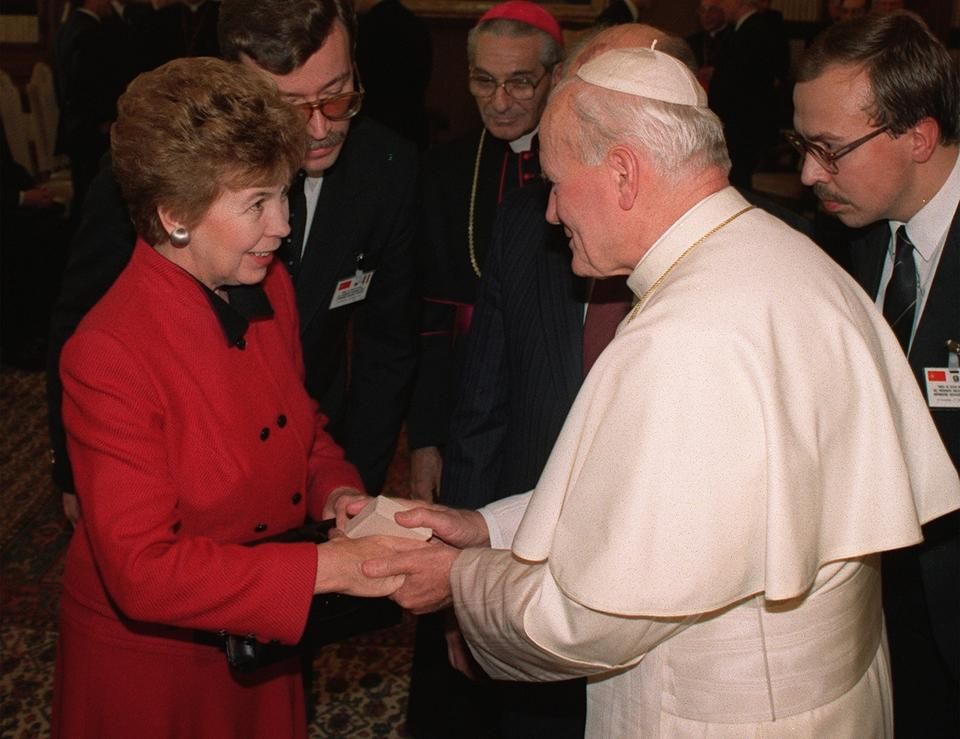 Agata i Kinga Duda na audiencji u papieża Franciszka
