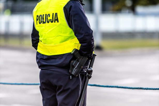 Ponad 10,8 tys. wypadków i prawie 166 tys. kolizji drogowych – z tyloma zdarzeniami na drogach mieli do czynienia policjanci.