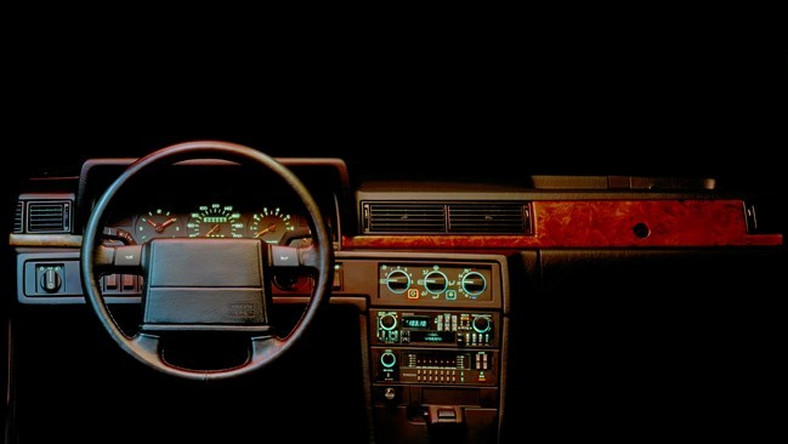 Szwedzka stal i włoski styl? To nie jest żart. W przeszłości Volvo współpracowało ze studiem Rertone. Owocem tego romansu były samochody, które dziś uchodzą za perełki w świecie motoryzacji. Zwłaszcza jeden z nich jest wyjątkowy - to najprawdziwszy biały kruk. Ale po kolei...