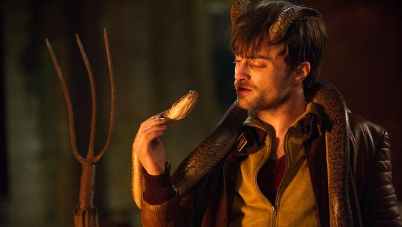 """""""Horns"""" to filmowa adaptacja książki autorstwa Joe Hilla wydanej w Polsce pod tytułem """"Rogi"""". Jej bohaterem jest Ignatius Perrish (w tej roli Daniel Radcliffe), młody mężczyzna podejrzany o gwałt i zamordowanie własnej dziewczyny"""