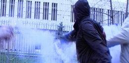Mamy FILM! Polska ambasada w Moskwie obrzucona racami