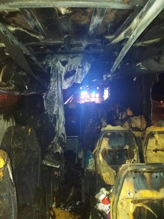 U trenutku požara putnici su preskakali jedni preko drugih kako bi se spasili